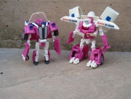 Skidz and muflap (Robot mode) by scoobsterinc