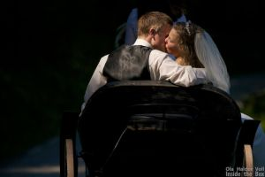 TKE wedding - Kiss in carriage by olahaldor