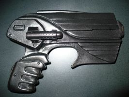 Farscape Pulse Pistol by DoctorWhoNC