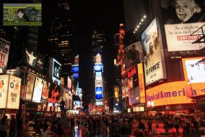 Times Square at night by neueziel