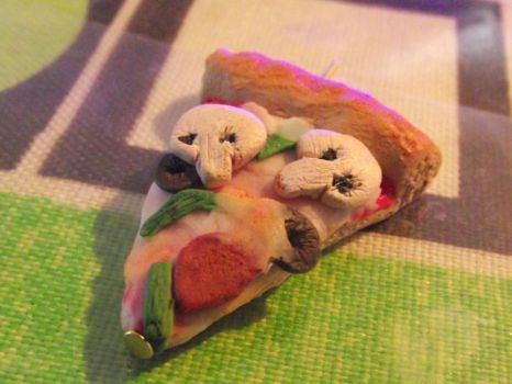 first try pizza sculpey by Doitsu-jx
