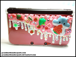 Decoden Hamuberry 3DS XL Case by GrandmaThunderpants