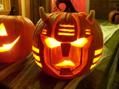 Cliffjumper Pumpkin by WheelJack-S70