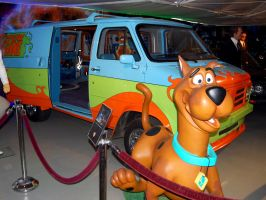 Scooby Doo Mystery Machine by Partywave