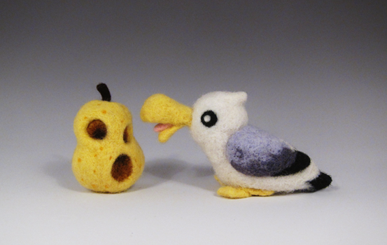 Seagull with Hyoi Pear by caffwin