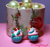 Cupcake earrings by tinkypinky