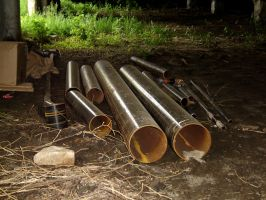 Round Table Trip Pipes by 3dmirror-stock