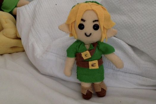Young Link Majora's Mask Plushie by bingle23