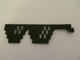 'Deal with it' glasses bead sprite by Hermine456