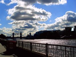 Thames by ninzie