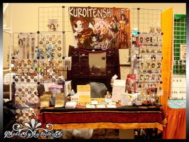 2014 Colossalcon Table by kuroitenshi13