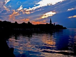 Porec by night by momary