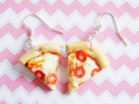 Margaritta Pizza Earrings - Handmade polymer clay by TinyTreatz