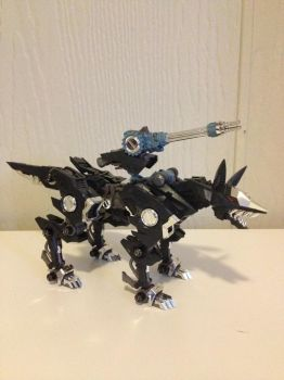 HMM Shadow Fox with chrome silver parts by JRMzoids