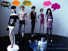 Issue Models dolls by pepegir18