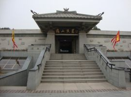 Han Dynasty Tomb Entrance by Laura-in-china