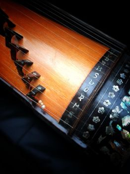 Photography: Guzheng by vt2000