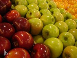 ...Apples... by Itz5