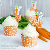 carrot cupcakes with coconut meringue buttercream by Pokakulka