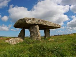 Lanyon Quoit by runique