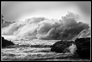 Lumahai Explosives BW by aFeinPhoto-com
