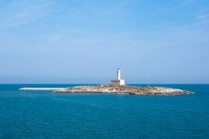 Lighthouse in Vieste by ascorti