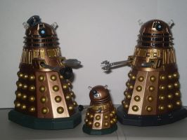 A Dalek Family Photo by CyberDrone