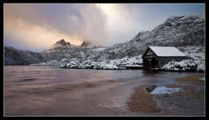 Dove Lake Boat Shed by Dee-T