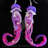 Vilot magenta jellyfish earrings by carmendee