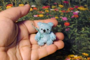 Little blue bear by lovebiser