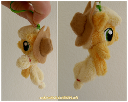Applejack keychain by zuckerschnuti