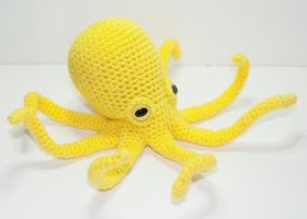 Yellow Octopus by Heartstringcrochet