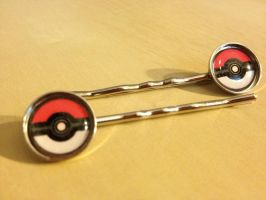 Pokeball Hair Clips by Monostache