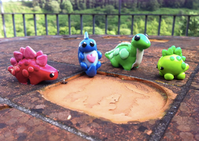 Tiny Dinos by AmethystCreatures