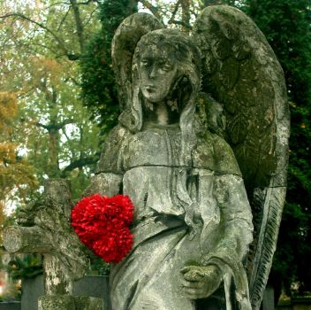 Memorial monuments - Guarding Angel III by Silvannia