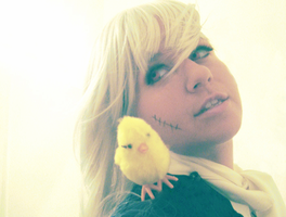 portrait of a girl + her bird by Spwinkles
