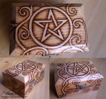 Celtic Knot Pentagram Box by 5Happy5