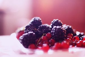 .  .  .  blackberry by Miss-Photo