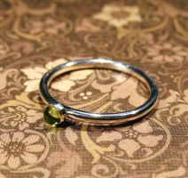 Sterling Silver Peridot cabochon Ring by Utinni