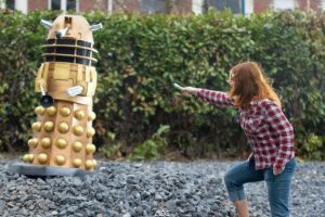 Doctor Who cosplay - Fighting the last Dalek by haricovert-cosplay