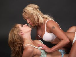 studio lesbian encounter by carinasphotos