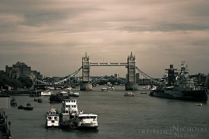 London Bridge by rTiFelic