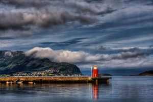 Alesund Lighthouse by davidsant