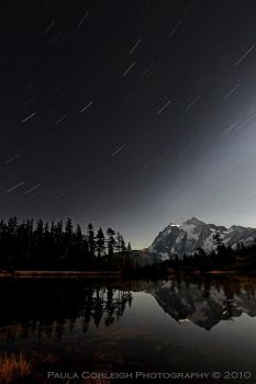 Mt Shuksan and Star Trails by La-Vita-a-Bella