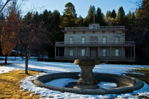 Bowers Mansion-Winter by sintar