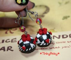 Red Queen earrings by tinkypinky