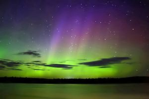 Auroral Reflections by tfavretto