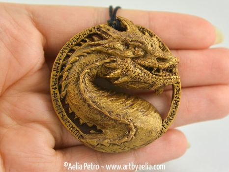 Golden Smaug Necklace by Chaotica-I