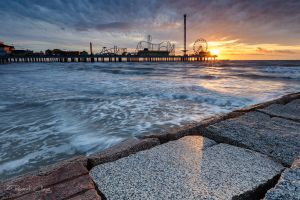 .:Pleasure Pier Sunrise:. by RHCheng