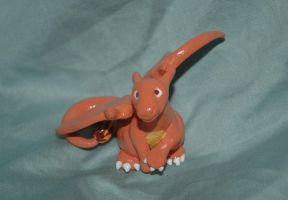 Charizard Statue view two by Meiyoukat